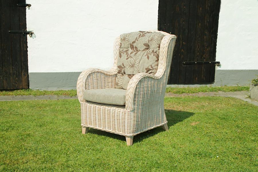 Beiger Sessel 01